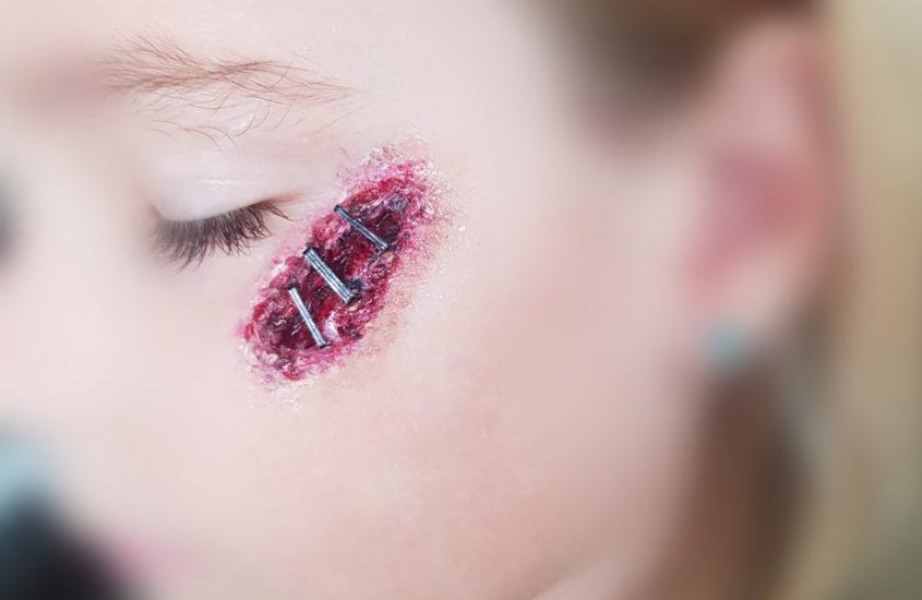 Deine Halloween Wunde einfach selbst schminken